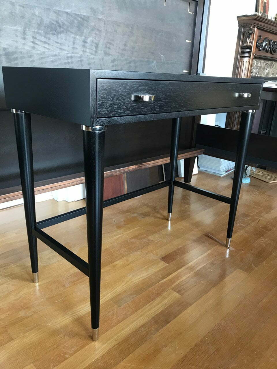 vas design, custom furniture builder in chicago